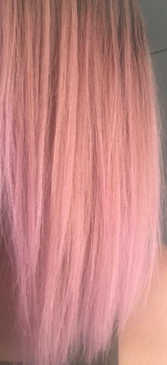 Pinkit hiukset päiväksi: mieletön mansikkasuihke